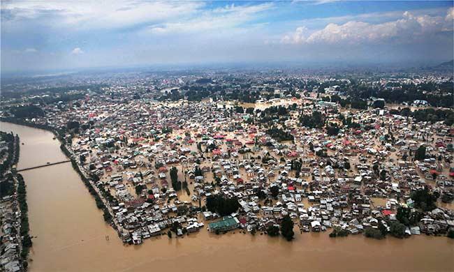 Kashmir_floods_PTI_650